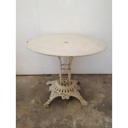 Table de jardin ancienne